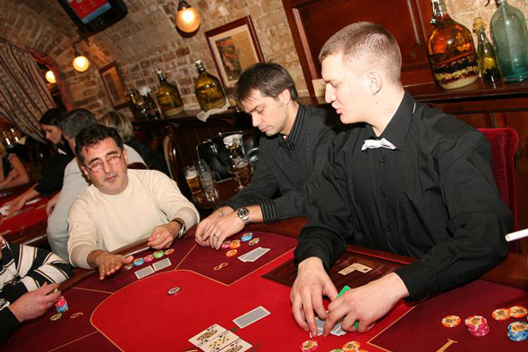 Poker klub budapest watch casino subtitles